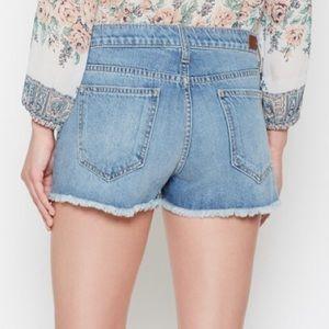 🆕🦋 NWOT Joie Denim Shorts